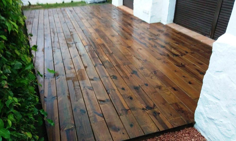 Montaje de tarimas de madera y composite terrazas Málaga Marbella