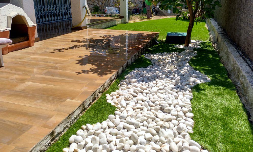 Instalación de césped artificial en Nueva Andalucía