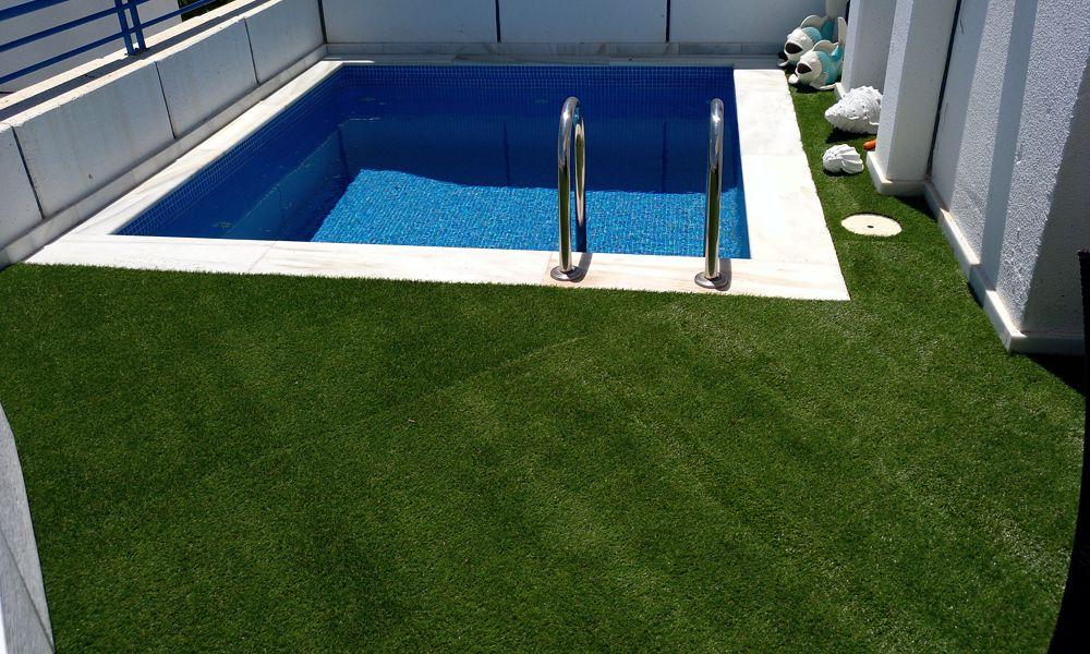 Instalación de césped artificial en terrazas Marbella Málaga