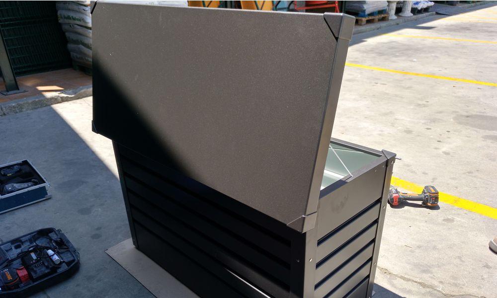 montaje de casetas metálicas en Málaga Marbella